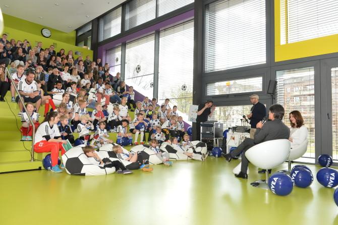 Kinder-Pressekonferenz mit Jogi Löw (c) kontur medien