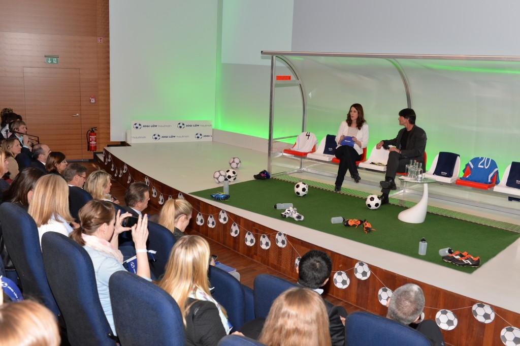 Mitarbeiter Talk Bundestrainer Beiersdorf (c) kontur medien